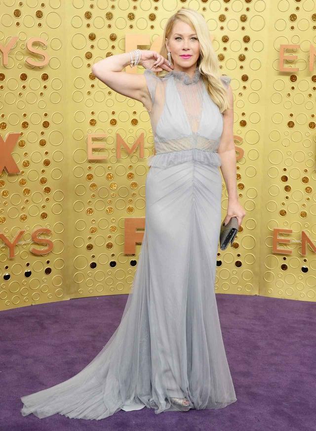 画像3: 人気女優がエミー賞で、日本発NIWAKAのジュエリーを着用
