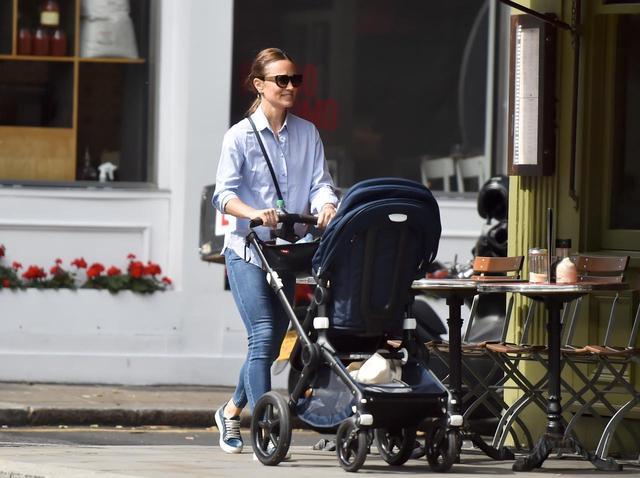 画像1: 11ヵ月の息子を育てるピッパ・ミドルトン