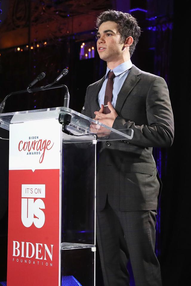 画像: It's On Usを支援するイベントでスピーチするキャメロン・ボイス。
