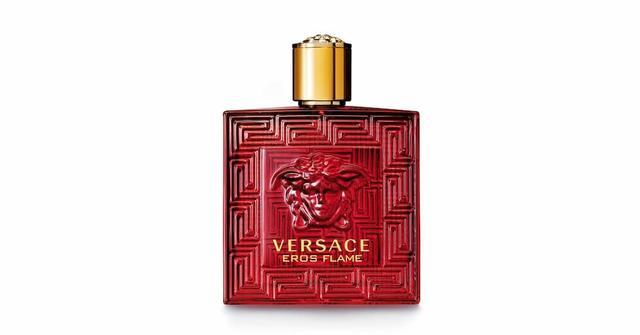 画像: ヴェルサーチェから「情熱的な男性へささげる香水」が登場