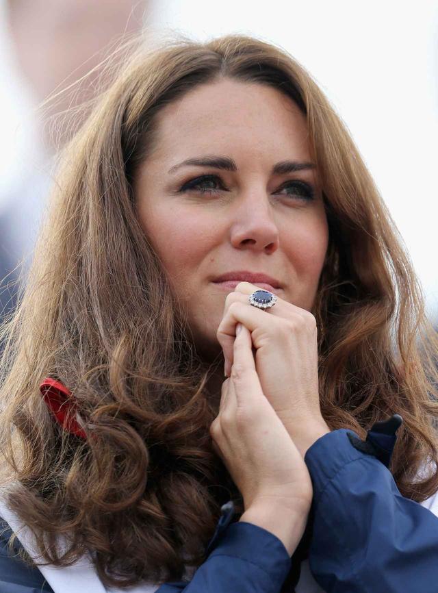 画像: キャサリン妃がもらった指輪。