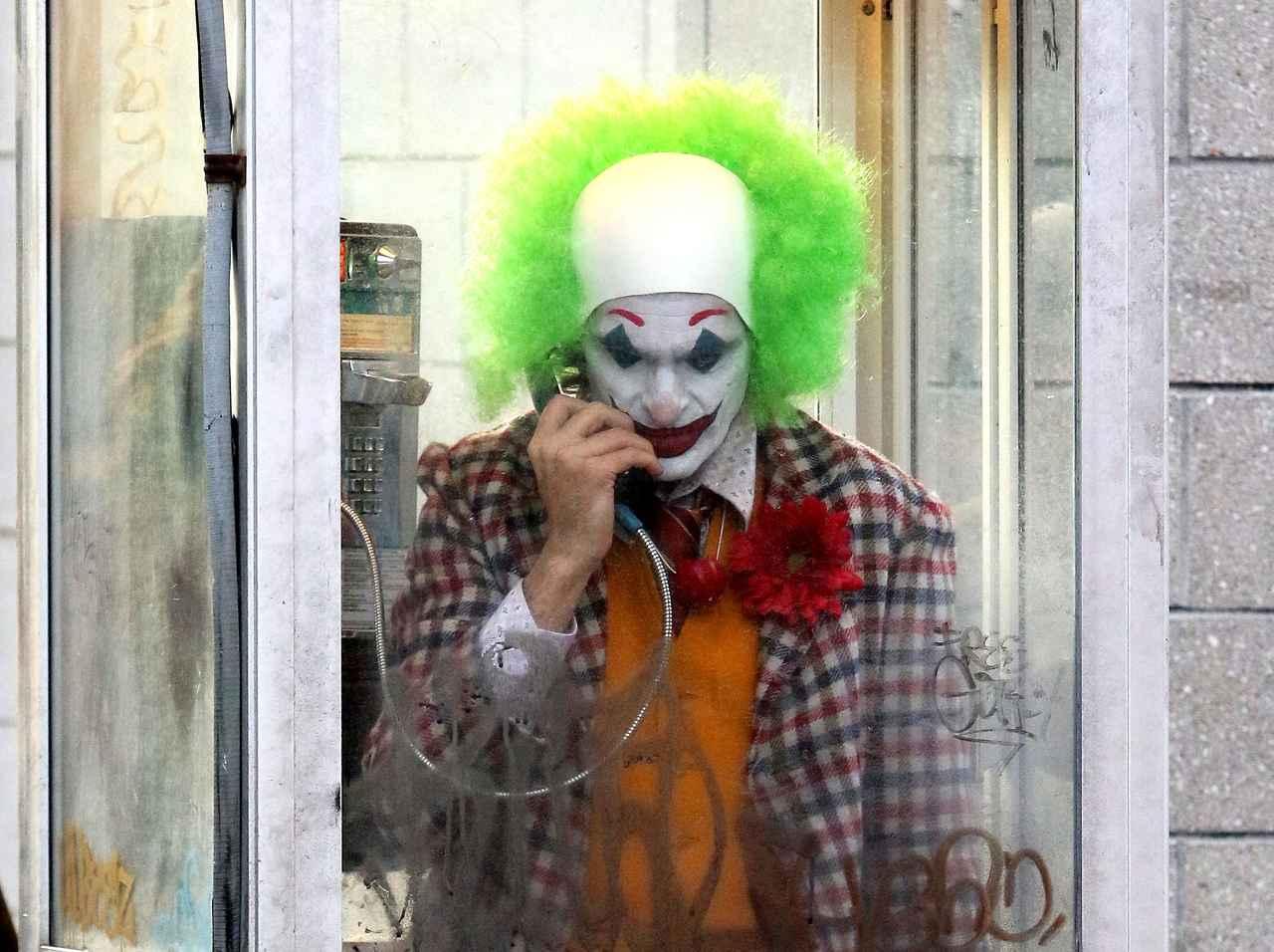 ジョーカー』の\u201c殺人シーン\u201dで「拍手と歓声」続けた男性、映画館
