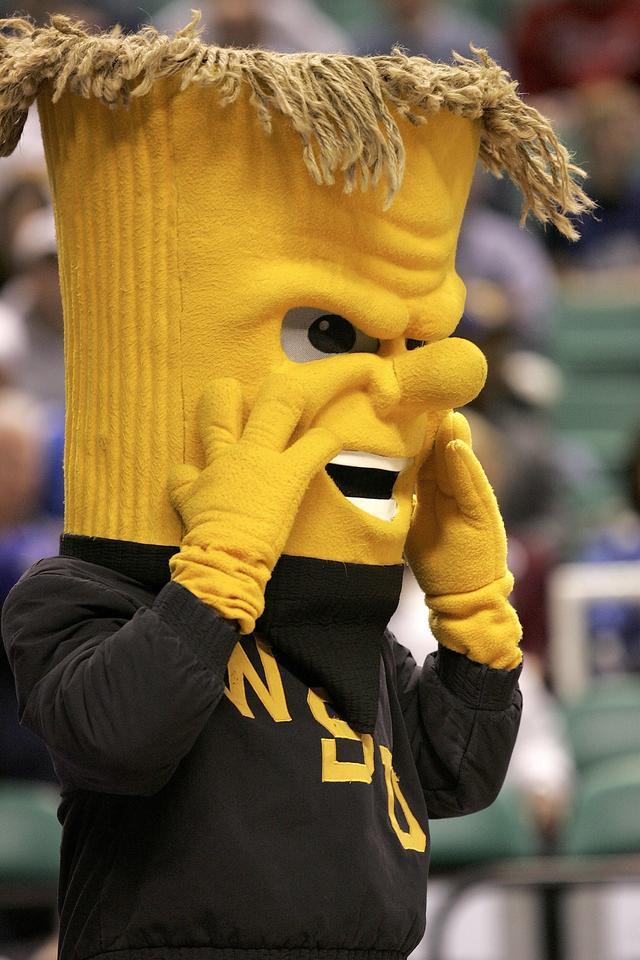 画像: ウィチタ大学のマスコット、ウーショック。