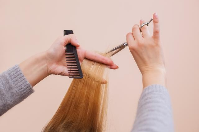 画像: そろそろ髪を切らなきゃ!ヘアカットが必要な4つのサイン