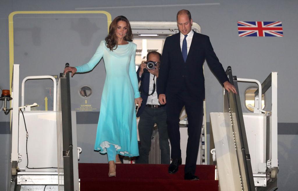 画像4: キャサリン妃が現地文化に寄り添う着こなしを連発