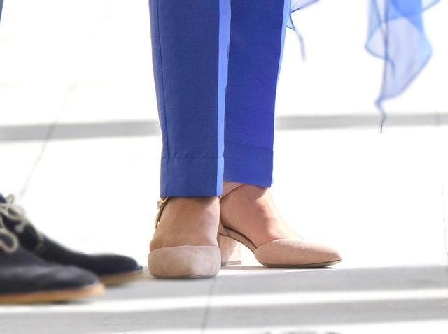 画像3: キャサリン妃が着用した「3,600円」の靴はどこで買える?