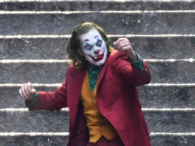 画像: 『ジョーカー』で「性犯罪者」が制作した音楽がBGMに使用され炎上 - フロントロウ