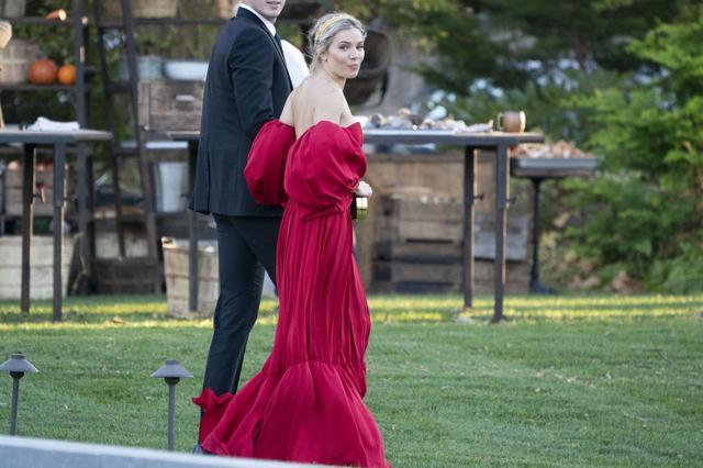 画像6: ジェニファー・ローレンスが結婚