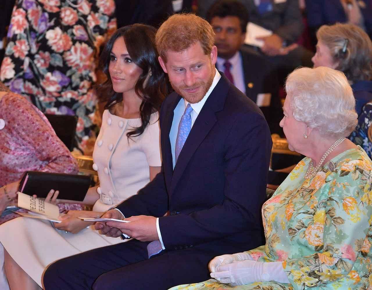 画像: エリザベス女王も苦悩
