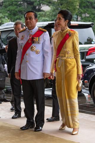 タイのプラユット・ジャンオーチャー首相とナラポーン・ジャンオーチャー首相夫人