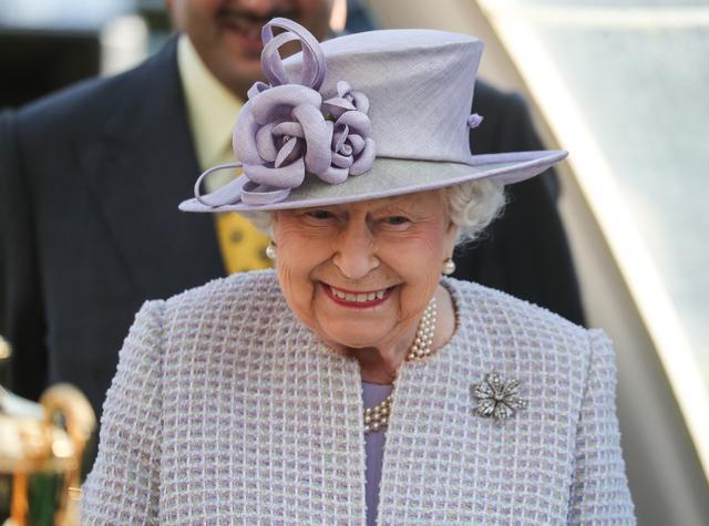 画像: エリザベス女王が『ゲースロ』の現場に来た時は?