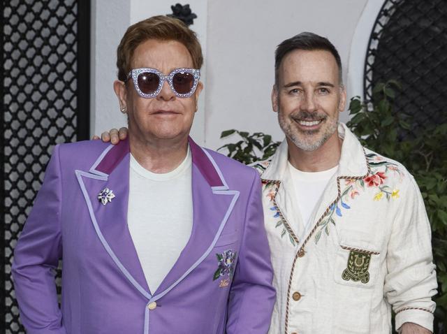 画像: エルトン・ジョン(左)とデヴィッド・ファーニッシュ