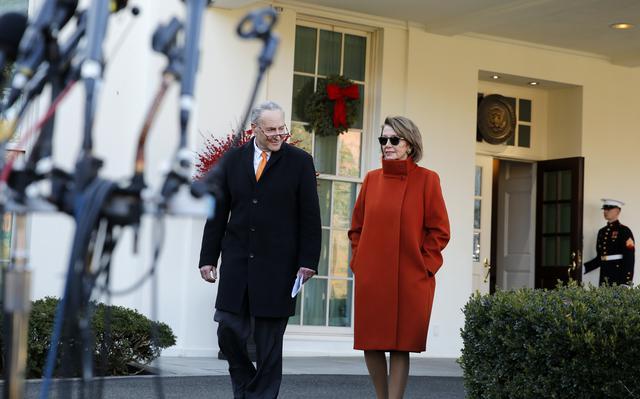 画像1: 真っ赤なコートには意味があった