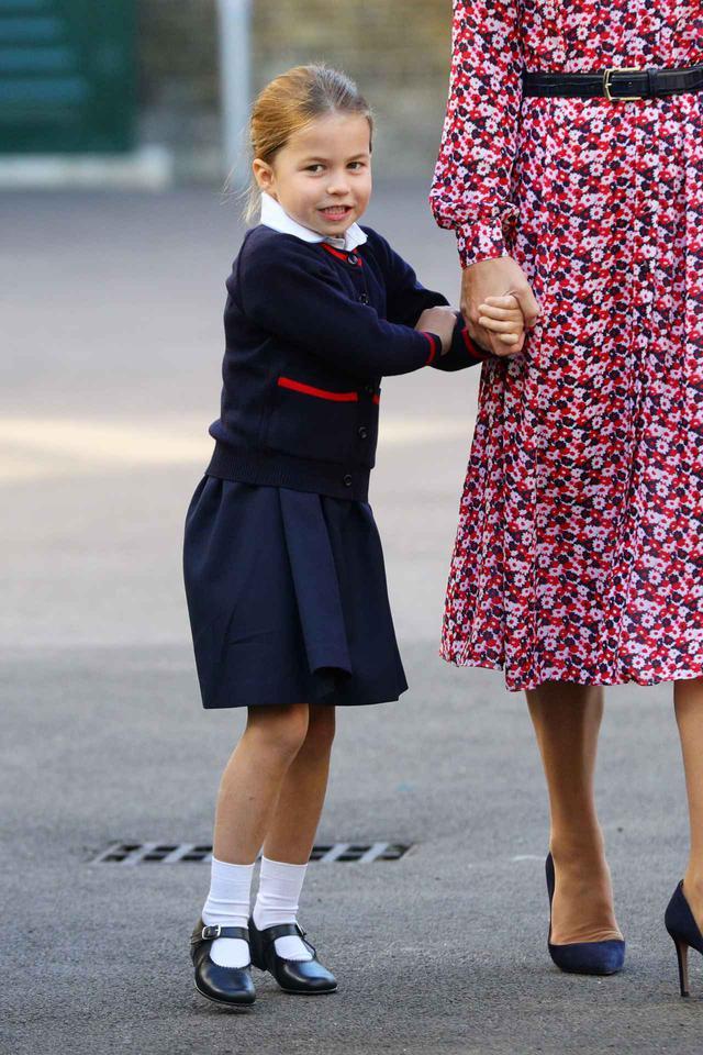 画像1: シャーロット王女とキティがそっくり