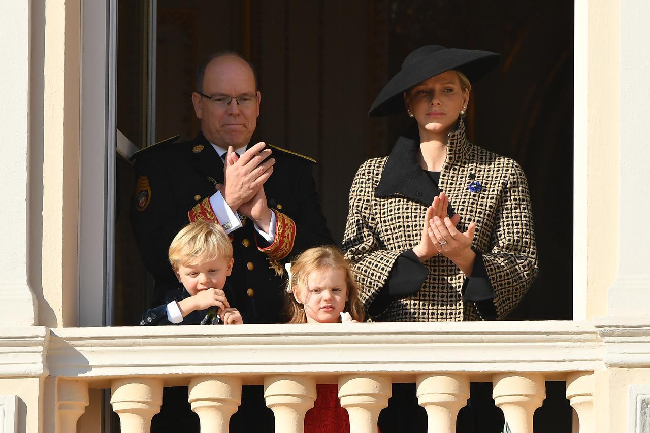 画像3: 英国王室の王子とモナコ公国の大公が対面