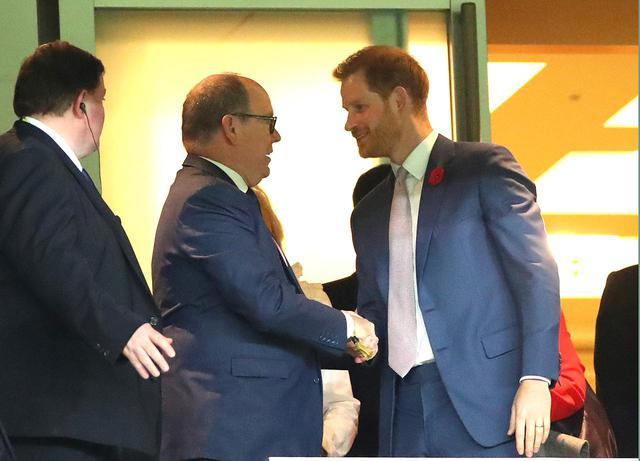画像1: 英国王室の王子とモナコ公国の大公が対面