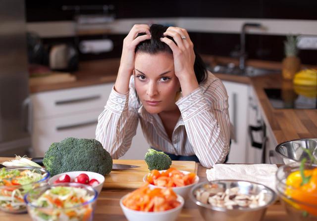 画像2: 食事だけでは 取り切れない栄養素