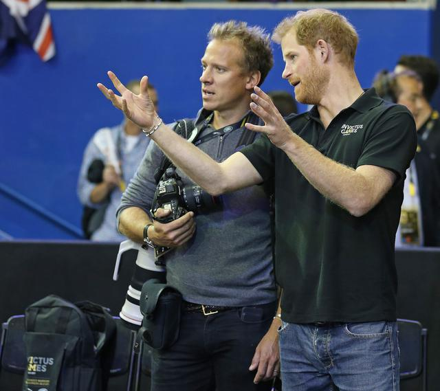画像: クリス・ジャクソン氏(左) Claus Andersen/Getty Images for the Invictus Games Foundation