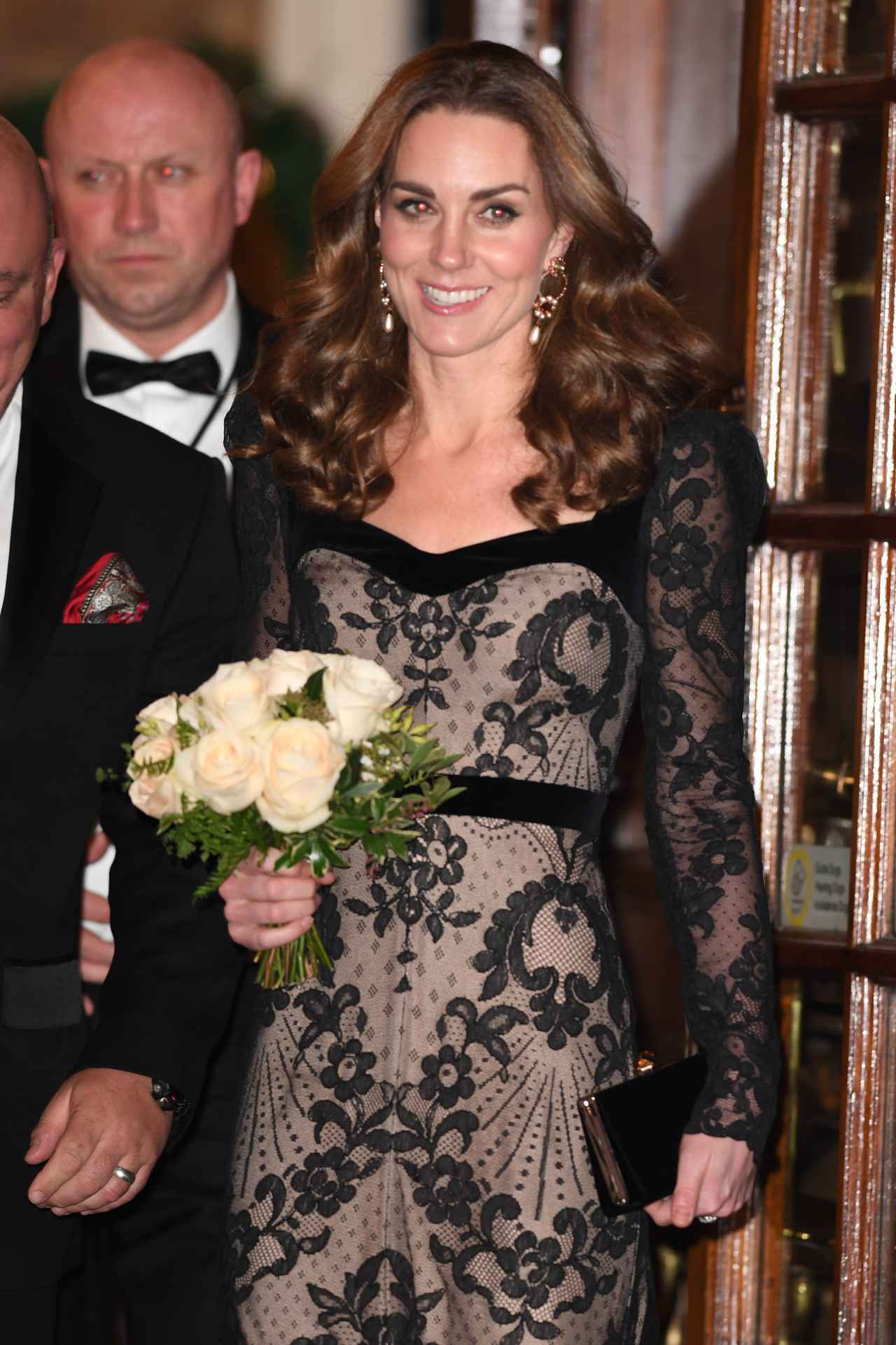 画像1: キャサリン妃の上品&セクシーなヌードドレス