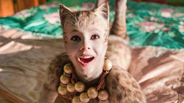画像: フランチェスカ・ヘイワード演じるヴィクトリア。©Universal Pictures/ YouTube