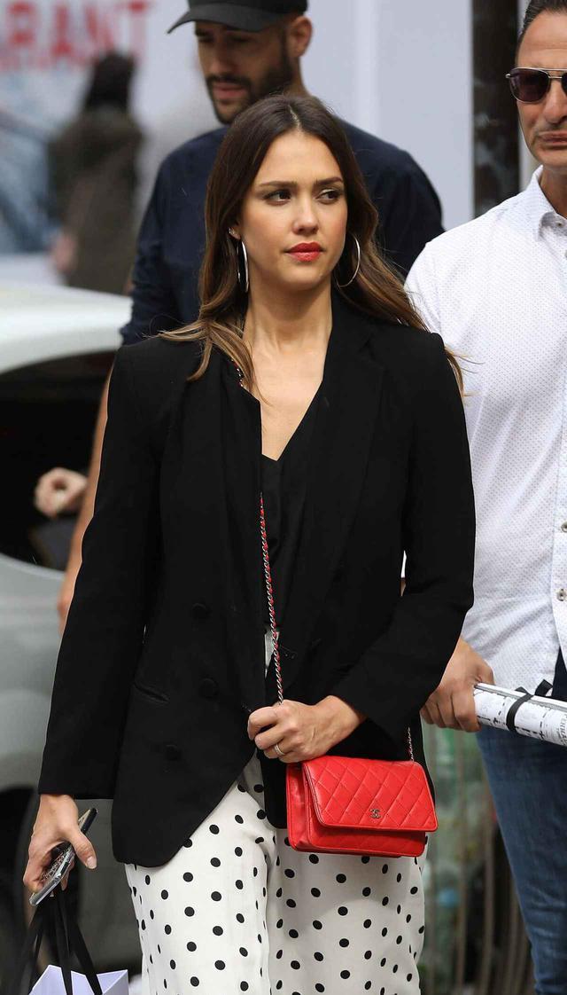 画像2: 人気女優のジェシカ・アルバ