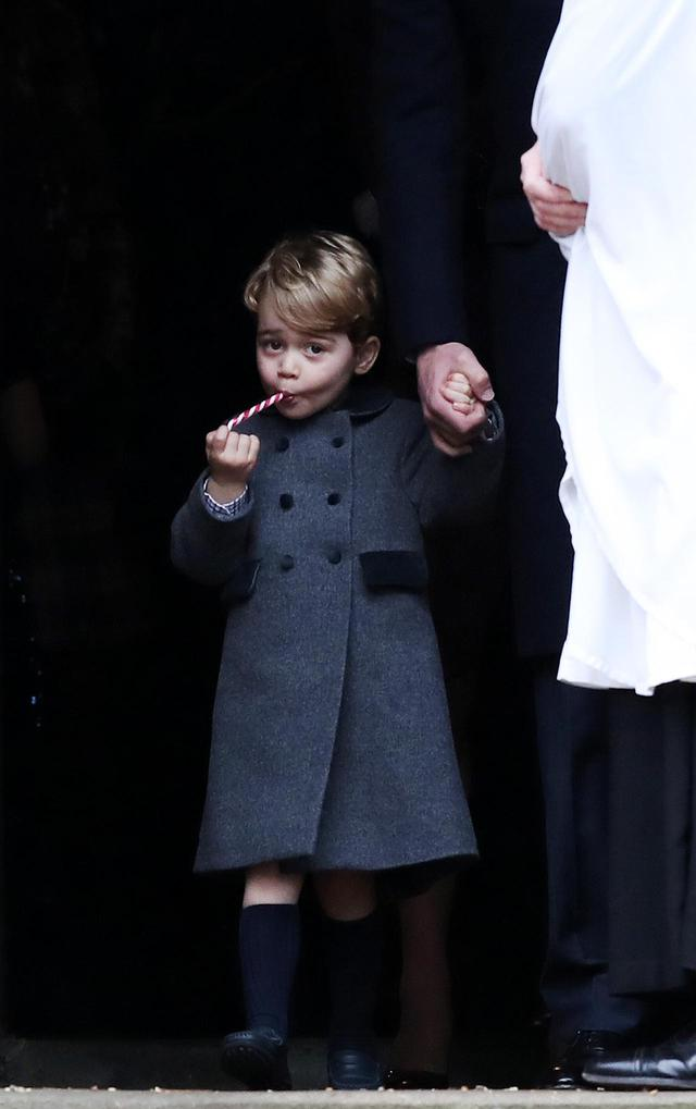 画像2: ネトフリ『ザ・クラウン』、ジョージ王子を再現