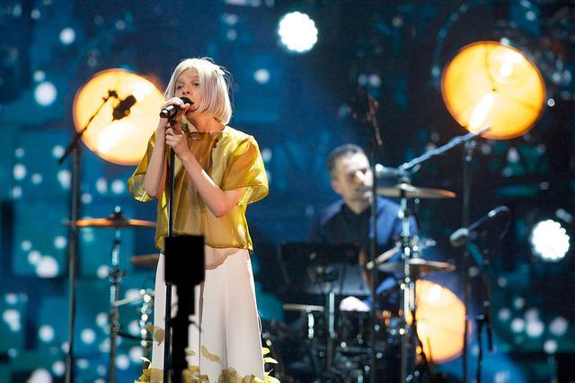 画像: 2015年のノーベル平和賞コンサートでのパフォーマンスの様子。
