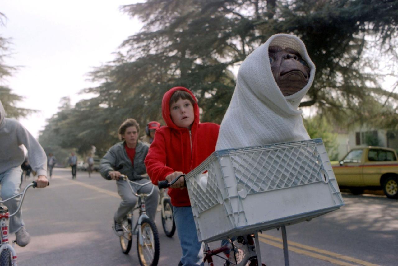 画像: 映画『E.T.』のワンシーン。©United Archives/Impress/United Archives/Newscom