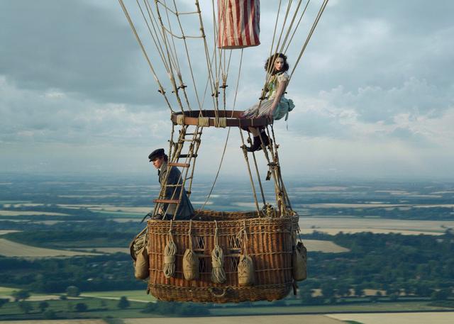 画像2: 気球に乗る研究者と気ままな気球乗り