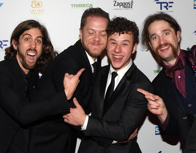 画像: 人気バンドのフロントマンがファン心を覗かせる