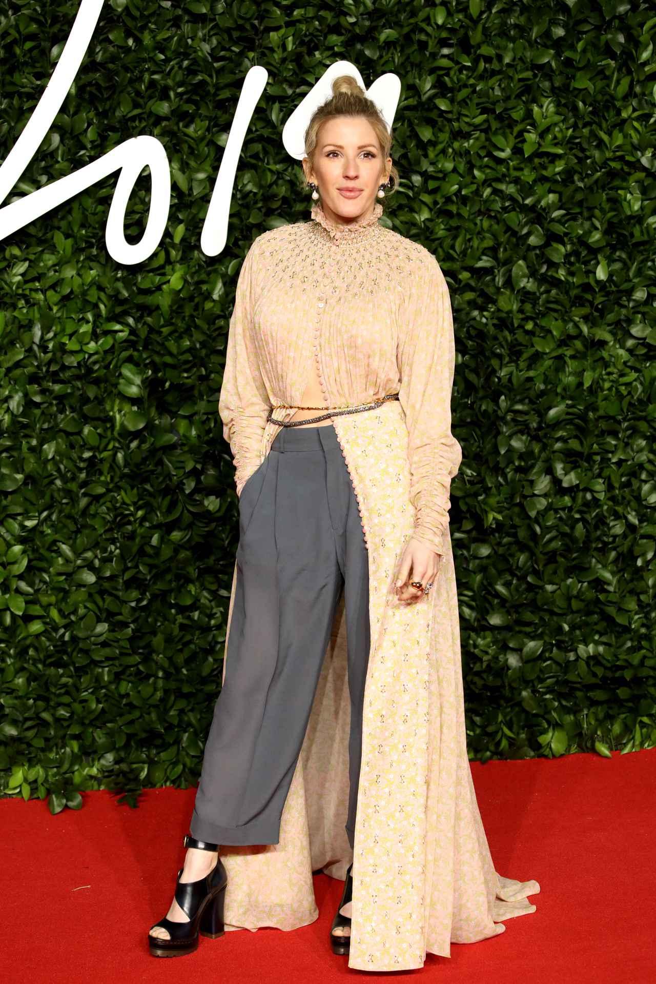 Images : 16番目の画像 - ザ・ファッション・アワード2019、豪華セレブが着用したドレスを大公開 - フロントロウ -海外セレブ情報を発信