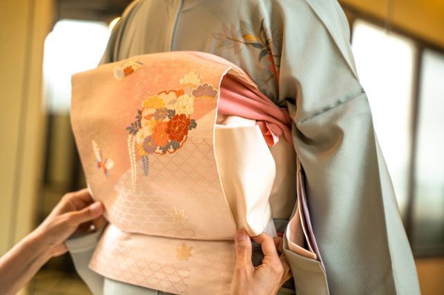 画像: 日本の伝統的な衣装がヒントに
