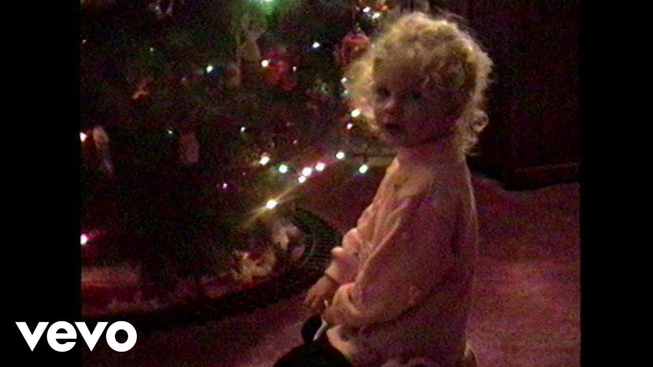 画像: テイラー・スウィフトがクリスマスソングを発表へ!愛猫たちに解禁日を相談した結果…