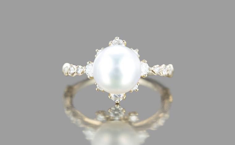 画像: 婚約指輪は日本製!気になるお値段は?