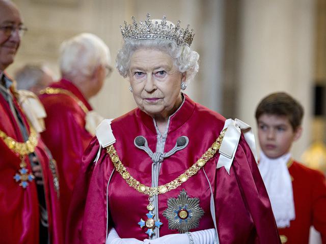 エリザベス 女王 逮捕 エリザベス女王に重罪 アメリカはたった今大量逮捕