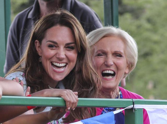 画像: キャサリン妃とメアリー・ベリー。
