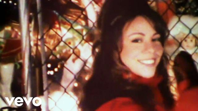 画像: マライア・キャリー、「恋人たちのクリスマス」で初の快挙を達成