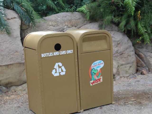 画像: 園内にあるゴミ箱が「絶対にあふれない」理由