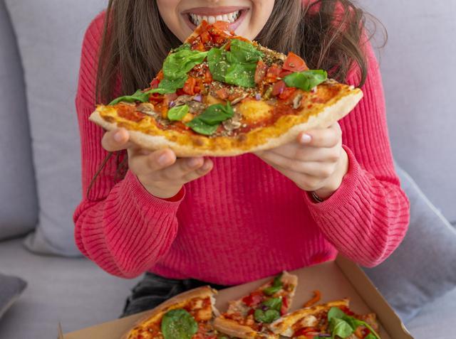 画像: ストレスによる食べ過ぎは、ダイエットの敵