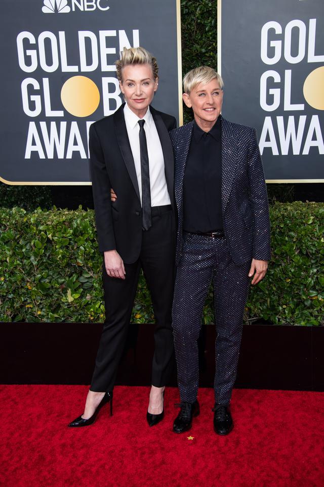 画像: エレン・デジェネレス(右)は2020年度ゴールデン・グローブ賞に妻のポーシャ・デ・ロッシを同伴。