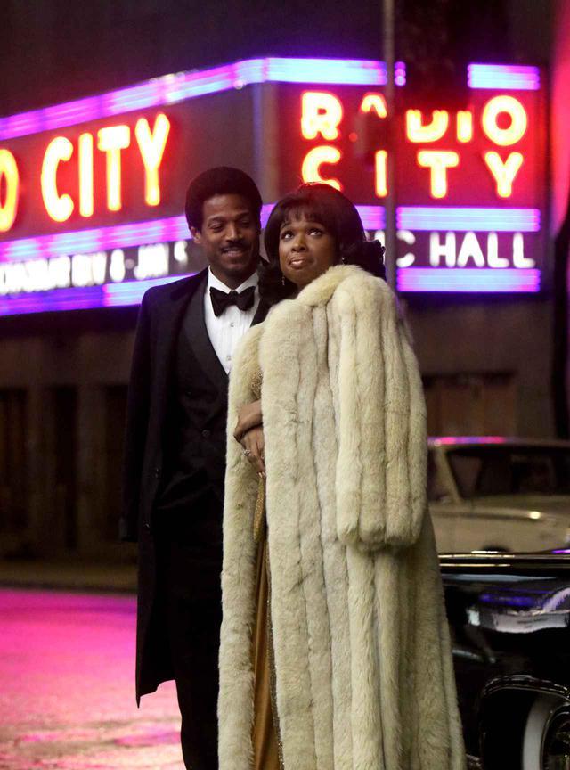 画像: 『Respect』に出演する主演のジェニファー・ハドソンとマーロン・ウェイアンズ。