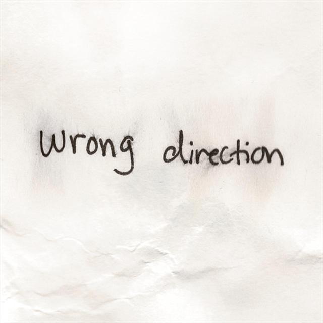 画像1: ヘイリー・スタインフェルド、切ない失恋ソング「Wrong Direction」のMVでひと肌脱ぐ