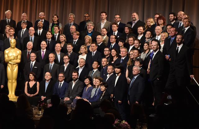 画像: 演技賞をすべて白人が独占した2015年アカデミー賞の受賞候補者ランチでは、有色人種の少なさが目に見えてわかった。