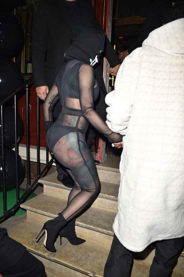 画像3: スケスケ服でアフターパーティーへ