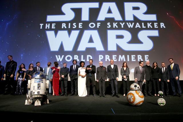画像1: 『スカイウォーカーの夜明け』世界興行収入約1,100億円突破