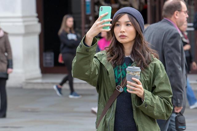 画像: 2019年9月にロンドンで行なわれた撮影の様子。写っているのは、セルシ役ジェンマ・チャン。