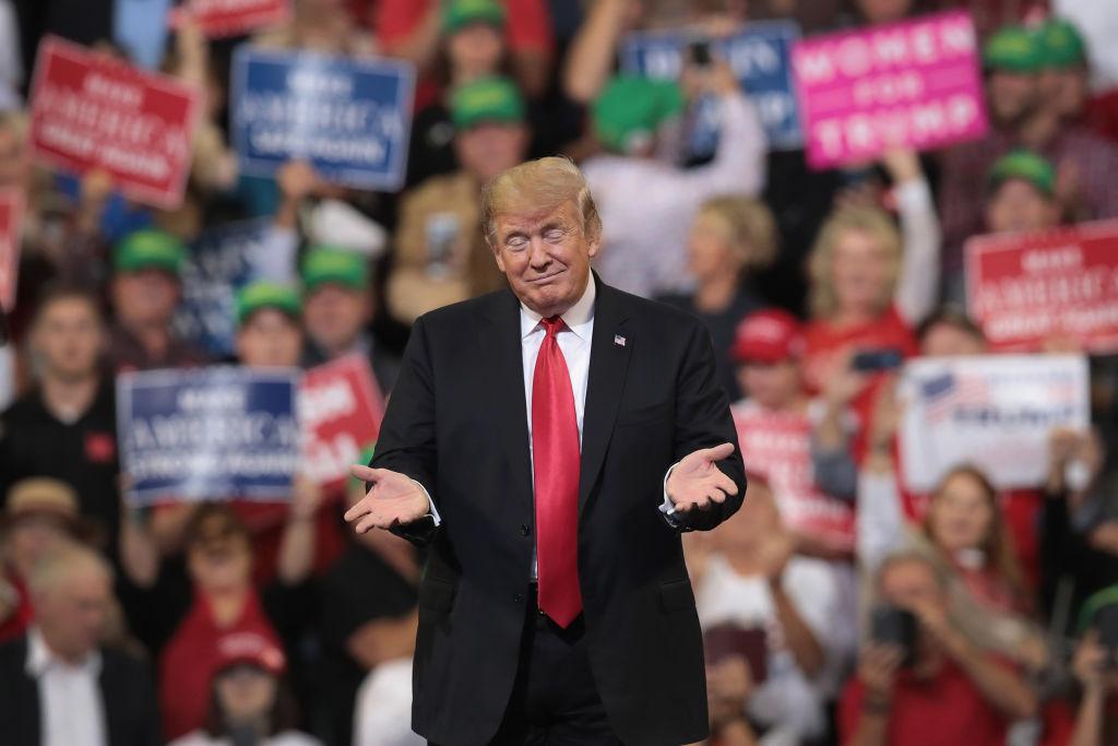 画像: ※上院はトランプ大統領の与党・共和党が多数派を維持する一方で、下院は野党・民主党が多数派を奪還。これにより上院と下院で多数派が異なる「議会ねじれ」の状態が続くこととなり、党派間の分断が進み、「決められない政治」が続くことに。さまざまな問題を解決するための議論が停滞すると予想された。テイラーは故郷テネシー州で自身が推していた民主党議員が落選したことにも肩を落とした。