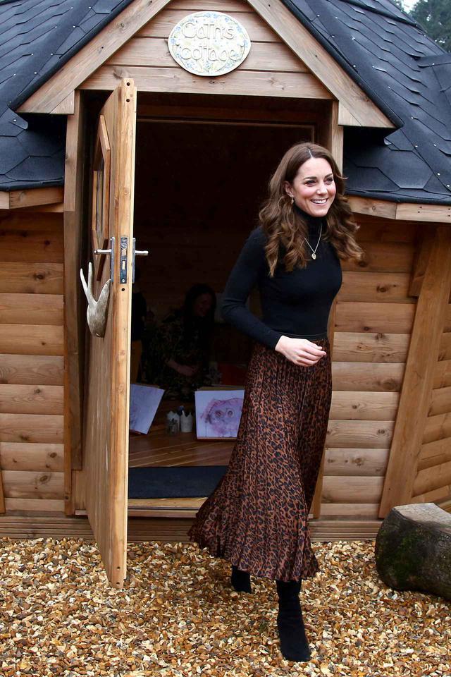 画像3: キャサリン妃が1,400円のスカート