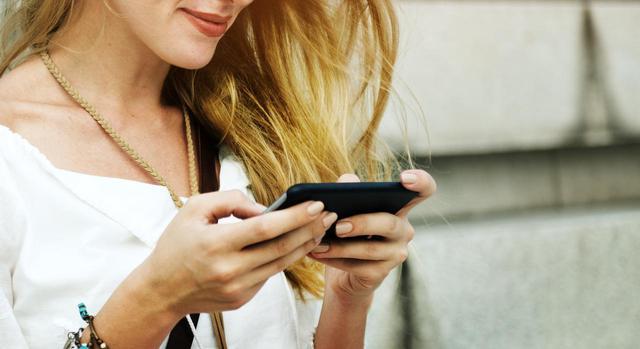 画像: Tinderが非常ボタンや本人認証を導入