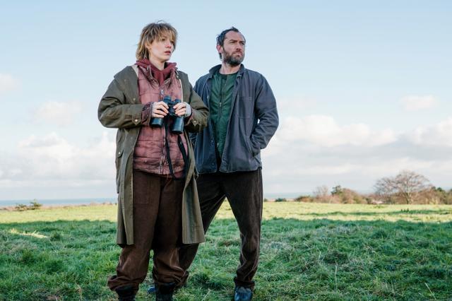 画像: 同作でブレイクはジュード・ロウと共演。ジュードは、ブレイク演じる主人公の暗殺者としての師範のような役どころを演じる。